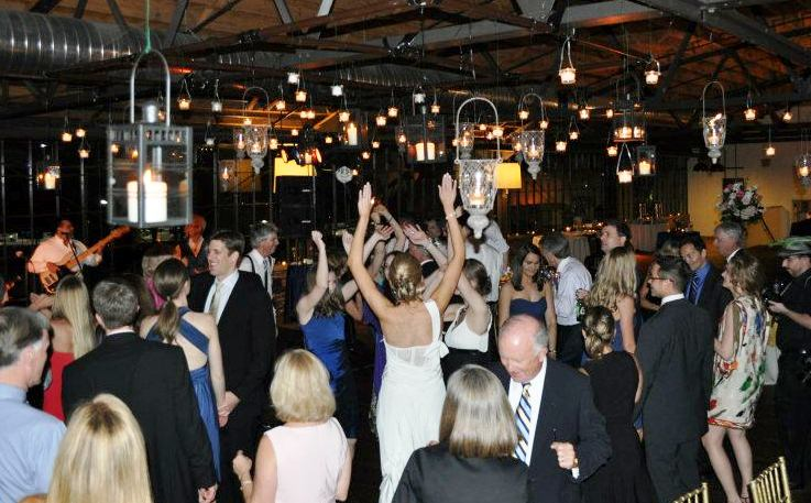 Wedding 3 dancing